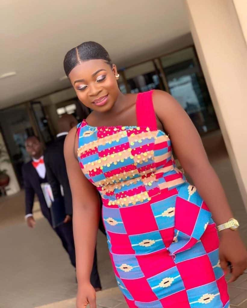 THE BEST AND STYLISH KENTE STYLES IN 2019 28