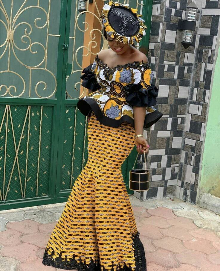 Woman wearing kaba and slit