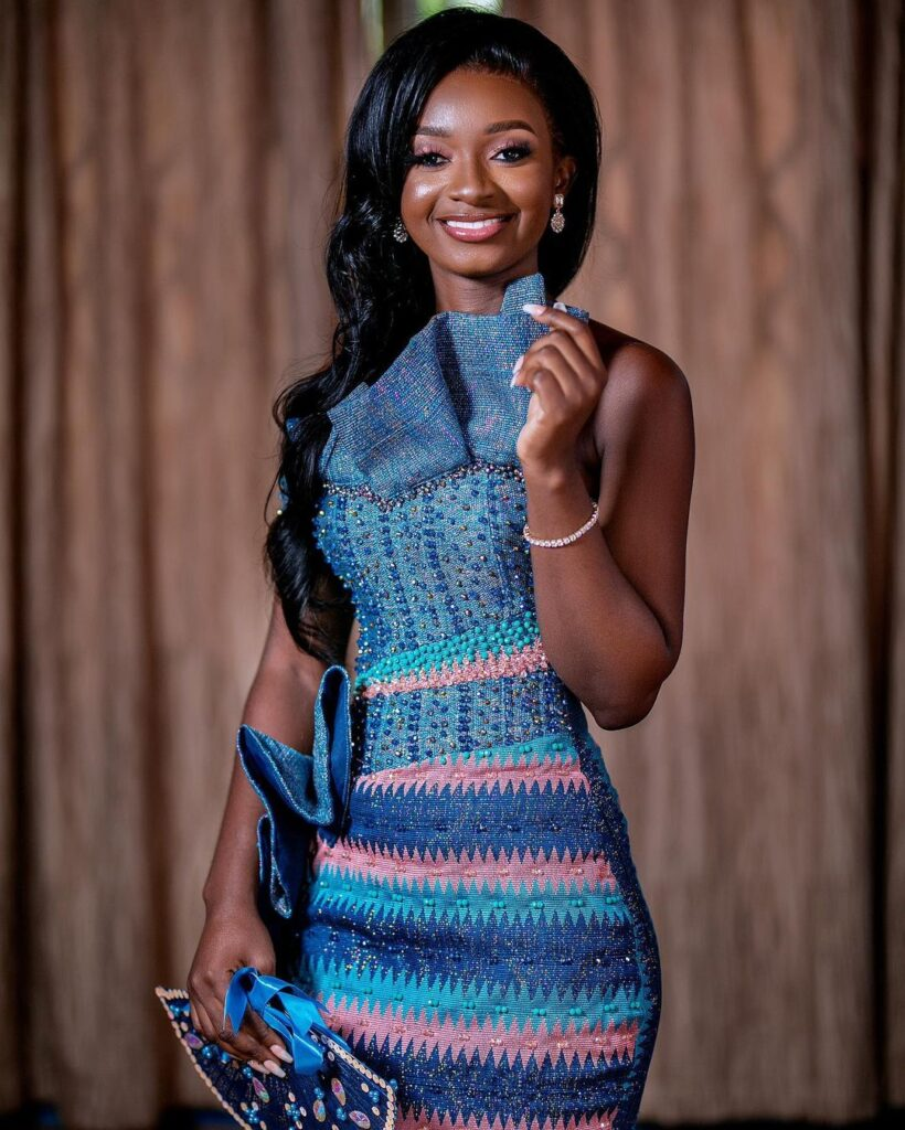 Lady in beautiful kente patterns